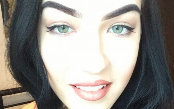 How do you wear your brows - Laura Mc